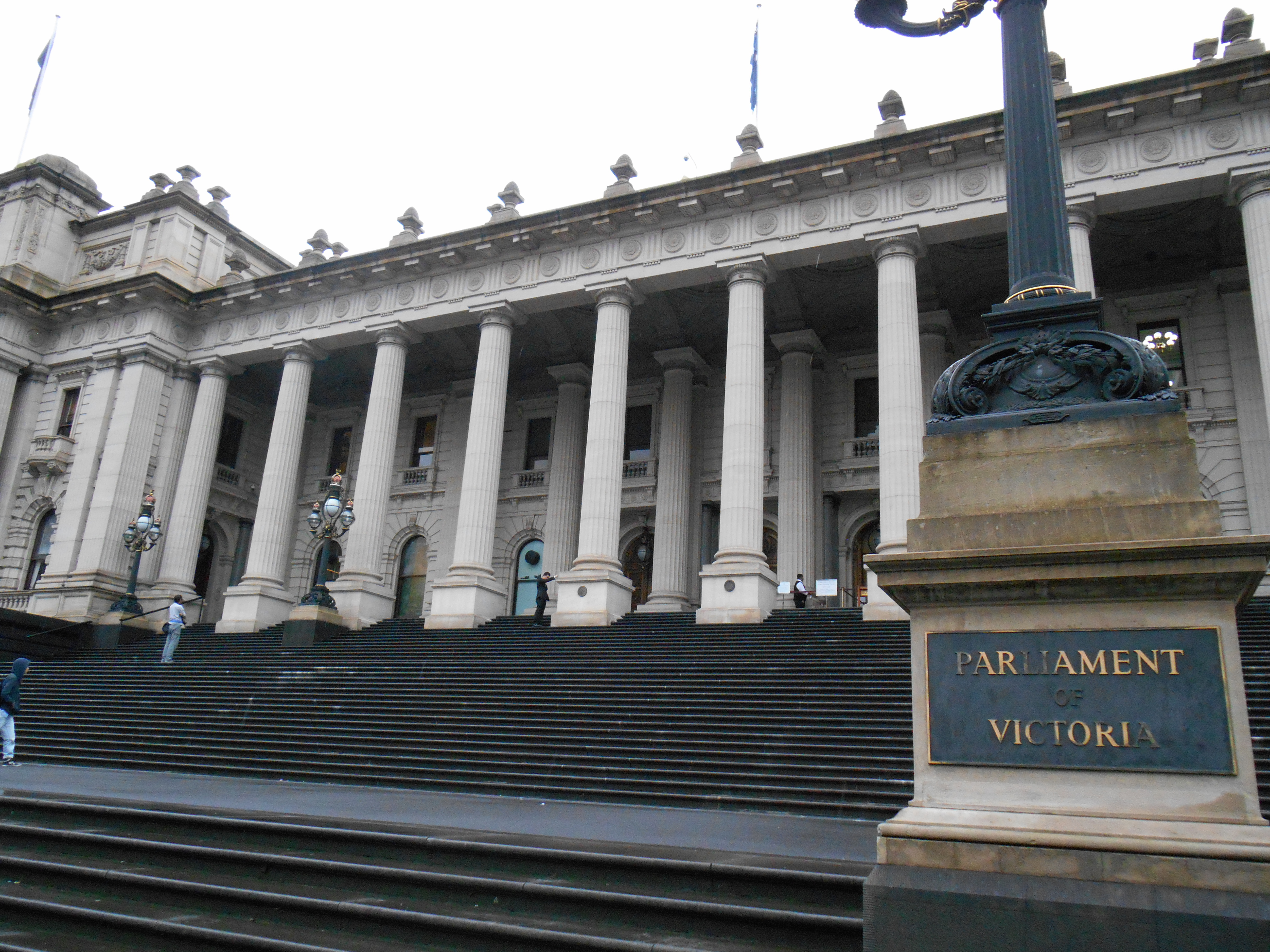 free self-guided walking tours melbourne